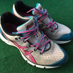 Women's ASICS Tennis Shoes Sneakers Size 8 1/2